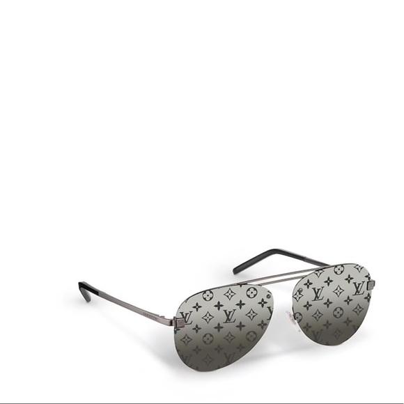 5bc064608e06 Louis Vuitton Accessories | Lv Sunglasses Clockwise | Poshmark